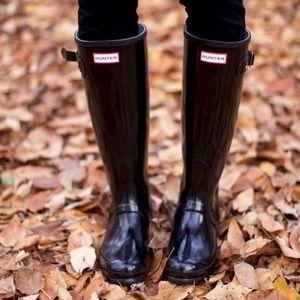 Black tall gloss hunter rain boots